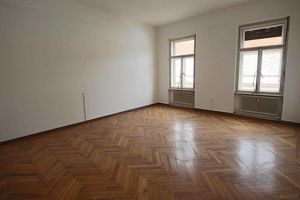 4 Zimmer Altbauwohnung in der Stubenberggasse! Perfekt für WG!