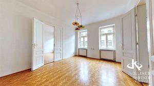 Großzügige , sehr helle 4- Zimmerwohnung in ruhiger Lage!