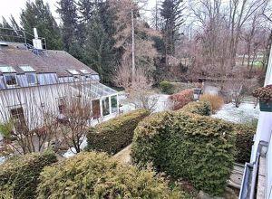 SINGLEHIT! UNBEFRISTETE 35 m2 Altbau mit Wintergarten und 5 m2 Balkon, Wohn-Esszimmer, Schlafnische, Parketten, Hofruhelage