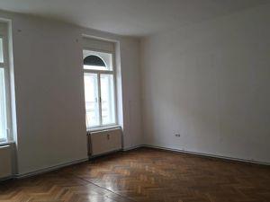 Zwei Zimmer-Wohnung mitten im Stadtzentrum zu vermieten!