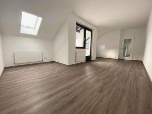 Provisionsfrei! 3-Zimmer-Dachgeschosswohnung in bester Lage