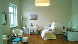 Schöne Büro-/Praxisräumlichkeit (38m²) in der Innenstadt von Fürstenfeld mit Blick auf den Hauptplatz!