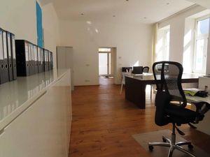 Helles, neuwertiges Büro in zentraler Lage von Penzing