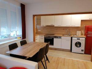 komplett Renovierte Wohnung in top Lage