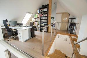 Jungfamilien aufgepasst: Geräumige Wohnung mit ausgebautem Dachboden!