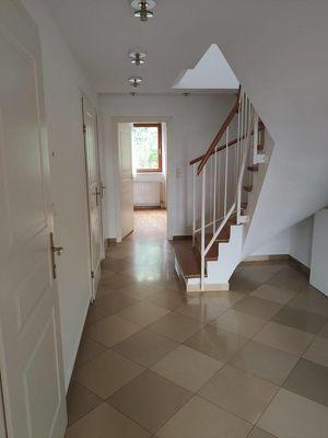 Vermietete Dachterrassenwohnung, Garagenstellplatz, Top-Lage, 3% Nettorendite