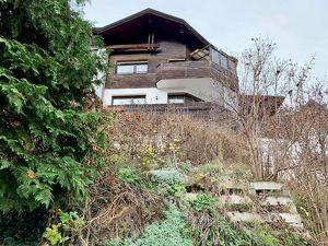 Familienhaus mit Einliegerwohnung in gesuchter Lage