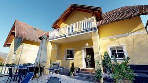 Großzügige Ferienwohnung! TOP Immobilie in Velden´s Zentrum! 3-Zimmer! Privatpool, Riesenterrasse!