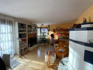 4 Zimmer Eigentumswohnung mit Gemeinschaftsgarten und Loggia