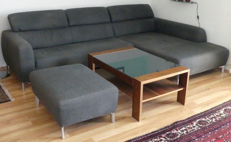 Sitzgruppe Polstergarnitur mit Hocker und Couchtisch