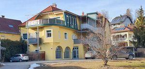 Penthouse Wohnung mit Terrasse und Carport zu vermieten