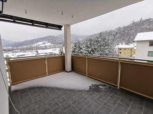 Großzügiger Wohntraum mit sonnigem Balkon