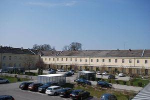Einmaliger SANIERTER 3-R.-Wohn(t)raum, nicht zuletzt auch wegen der ausgewählten Nachbarschaft, in den historischen Gemäuern der Dragoner Höfe Wels!