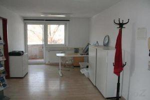 Zirl: Büro - 3 Einheiten- auf 60m2 mit Westbalkon um € 545.--