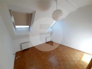 Wohnen Nahe der Mariahilferstraße - Sonnige 2 Zimmer DG Wohnung im Altbau/ WG GEEIGNET