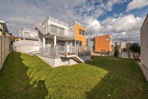 Einfamilienhaus in absoluter Traumlage am Schafberg // Dachterrasse mit Weitblick über die Stadt!