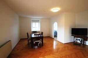 Villach Zentrum: Komplett möblierte Pärchen- oder Singlewohnung zur Miete