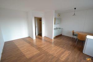 Sonniges Single-Appartement in guter Wohnlage nahe Schmelz