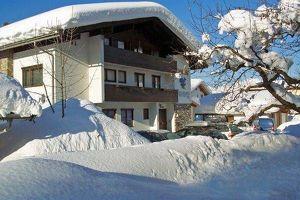 Große Wohnung im schönen Rosenegg