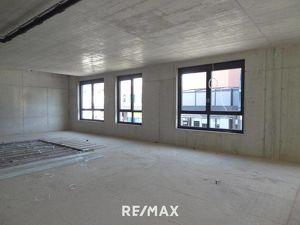 Moderne und in absoluter Frequenzlage von Wörgl gelegene Neubau-Büro- und Praxisfläche mit ca. 225m² zu mieten