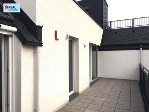 Dachgeschoßtraum mit Charme und Qualität