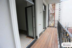 Exquisite Altbauwohnung mit Balkon in revitalisiertem Biedermeierhaus Nähe U4