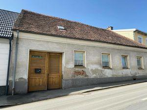 Renovierungsbedürftiges Landhaus
