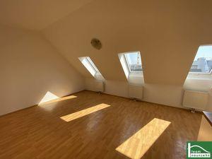Gute Anbindung in toller Lage! Freundliche und helle Dachgeschosswohnung!