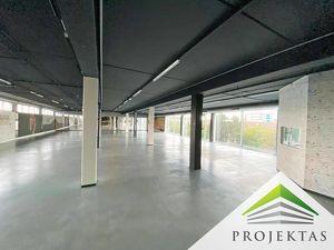 600 m² individuell gestaltbare Ausstellungsfläche am Anschluss A 7 Salzburger Straße