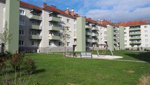 Erholsames Wohnen für Familien! Balkon mit Blick ins Grüne lädt zum Entspannen ein! Spielplätze - Grünflächen - zentrumsnah - provisionsfrei!