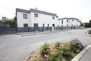 +++ Gfl. 220,23 m² ++ Wfl. 124,15 m² ++ MODERNES WOHNEN MIT GARTEN IN RUHELAGE +++