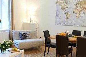 Große Wohnung mit Terrasse und zwei Bädern in Hofruhelage