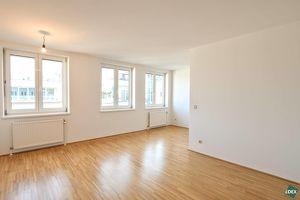 Erstbezug nach Sanierung: Schönes 2-Zimmer-Apartment mit Blick ins Grüne im Herzen des 7ten