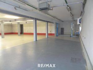 Attraktive Gewerbeimmobilie mit Halle und Büro in Innsbruck zu mieten