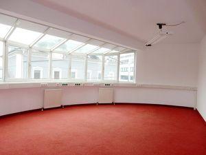 """Repräsentative Büroräumlichkeiten """"Ihre Businessadresse in Salzburg Maxglan"""""""