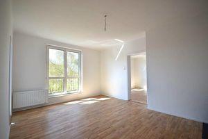 ZENTRUM MITTE LEHEN   Provisionsfrei... Generalsanierte 3-Zimmer-Wohnung in der obersten Etage mit Parkblick
