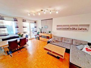 Bad Schallerbach : Phantastische, moderne Topwohnung mit Tiefgarage und Südloggia !