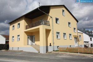 Großes Wohnhaus privat und gewerblich nutzbar