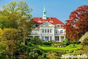 180 ha Eigenjagd mit exklusiven Herrenhaus und alleiniger Panoramalage