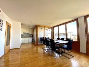 Wunderschöne, lichtdurchflutete 3-Zimmer-Wohnung in herrlicher Ruhelage