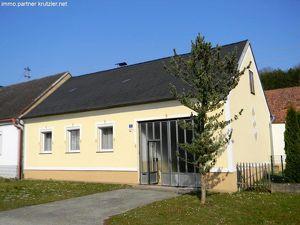 Urig einfaches Landleben - 3-Seit Hof zur Miete - in Litzelsdorf