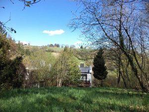 Schönes Eck-Reihenhaus mit großem Garten und schöner Aussicht