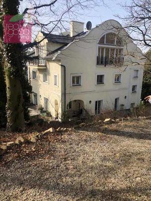 Exklusiv beauftragt: Höchstgelegene Villa Wiens mit eigenem Park und atemberaubenden Fernblick