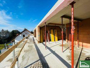 LUXURY LIVING // WOHNEN BEIM WASSER // EIGENGRUND // BIBERHAUFENWEG! 4 Zimmer + Terrassen + Garten + Kellerbereich!