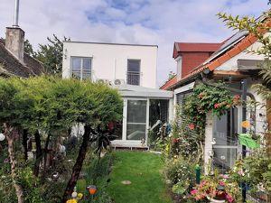 Haus - Wintergarten - schöner Garten - neuer Zubau