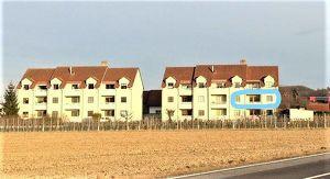 Vermiete helle Wohnung mit Balkon, Kellerabteil und Autoabstellplatz in Bahnhofsnähe! Provisionsfrei