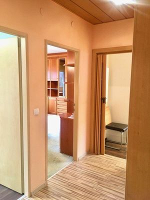 TOP PREIS! 2-Zimmer Wohnung inkl. Garagenplatz und Zugang zur Dachterrasse in Gloggnitz zu vermieten!