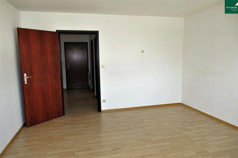 Gepflegte Single-Wohnung zwischen Infineon und Altstadt