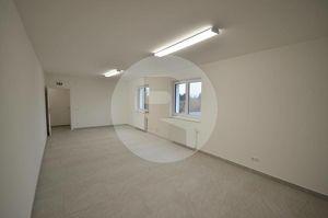 Gut aufgeteilte kompakte Bürofläche in Graz-Thalerhof inkl. Parkplätze!