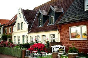 Einfamilienhaus mit Wintergartenanbau